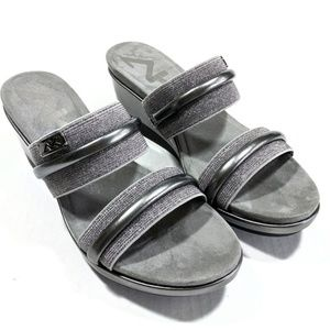 Anne Klein Sport Womens Silver Wedge Sandals Sz 6M